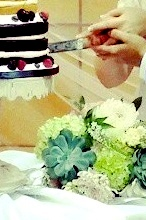 bouquet and cake