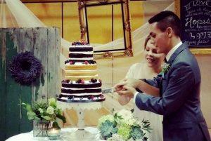 walker wedding cut the cake